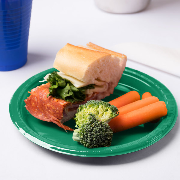 "Creative Converting 28112011 7"" Emerald Green Plastic Plate - 20/Pack Main Image 3"