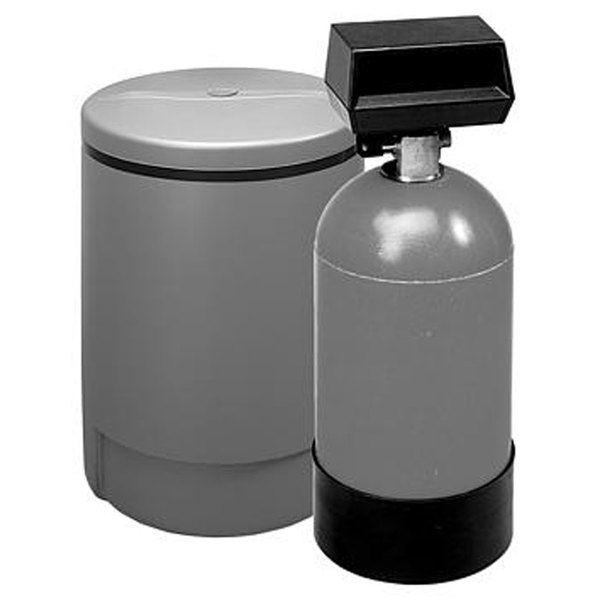 3M Water Filtration Products HWS050 Warewashing Water Softening System - 5 GPM and 16,000 Grain Capacity
