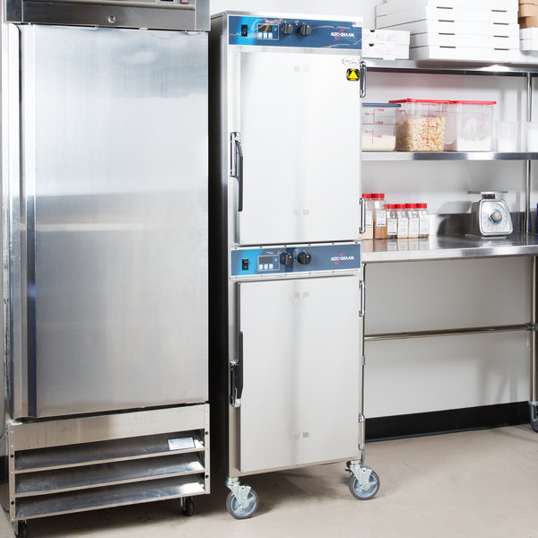 Alto-Shaam 1000-TH-I Full Height Cook and Hold Oven with Simple Controls - 208-240V, 5300-6000W