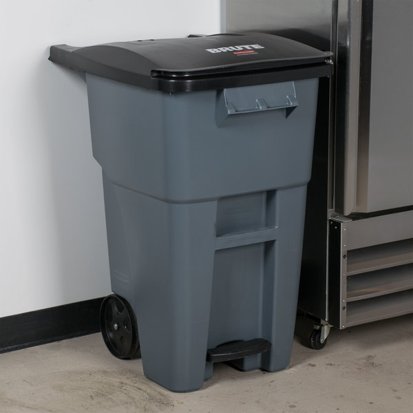 Rubbermaid 1971956 Brute 50 Gallon Gray Standard Step-On Rollout Container with Lid