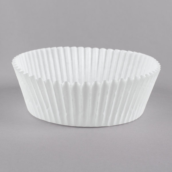 "White Fluted Baking Cup 3 1/2"" x 1 1/2"" - 500/Pack Main Image 1"
