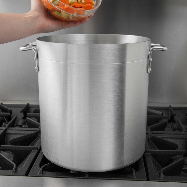 Choice 24 Qt. Standard Weight Aluminum Stock Pot Main Image 2