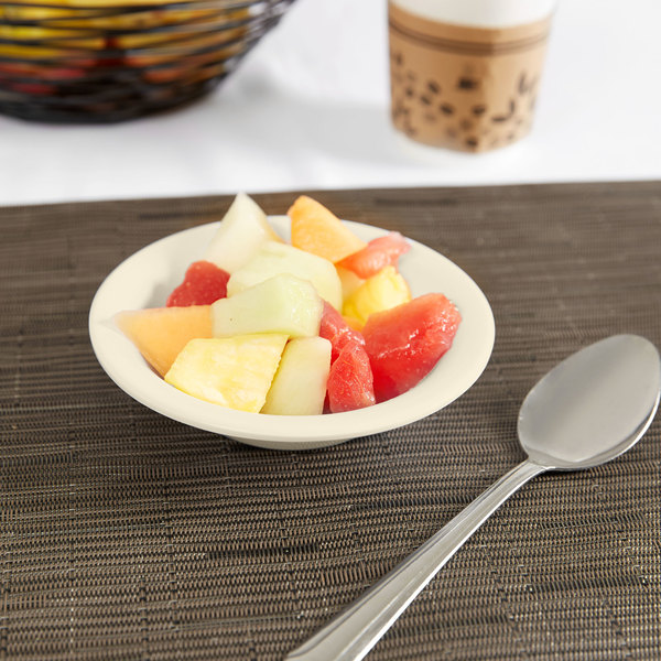 Carlisle KL80025 Kingline 5 oz. Tan Rimmed Fruit Bowl - 48/Case