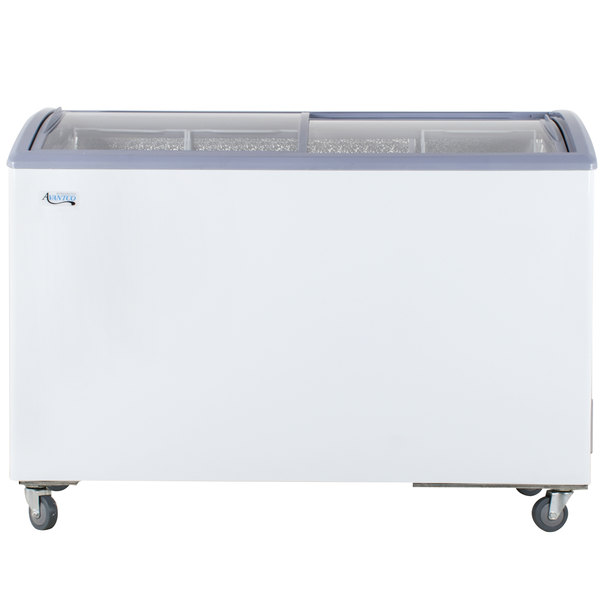 Avantco ICFC12 Curved Lid Display Freezer Scratch and Dent