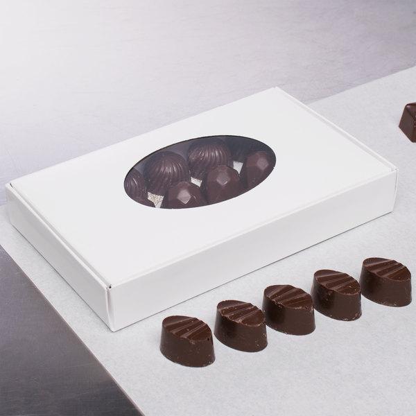 "7 1/8"" x 4 3/8"" x 1 1/8"" White 1/2 lb. 1-Piece Candy Box with Oval Window - 250/Case"