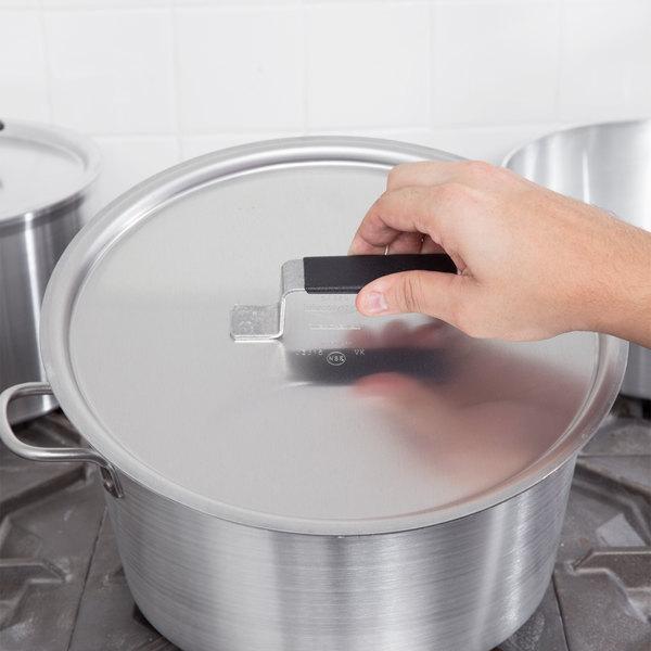 "Vollrath 67320 Wear-Ever Flat Aluminum Pot / Pan Cover with Torogard Handle 12 3/8"" Main Image 8"