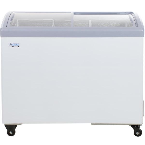 Avantco ICFC9-HC Curved Top Display Freezer