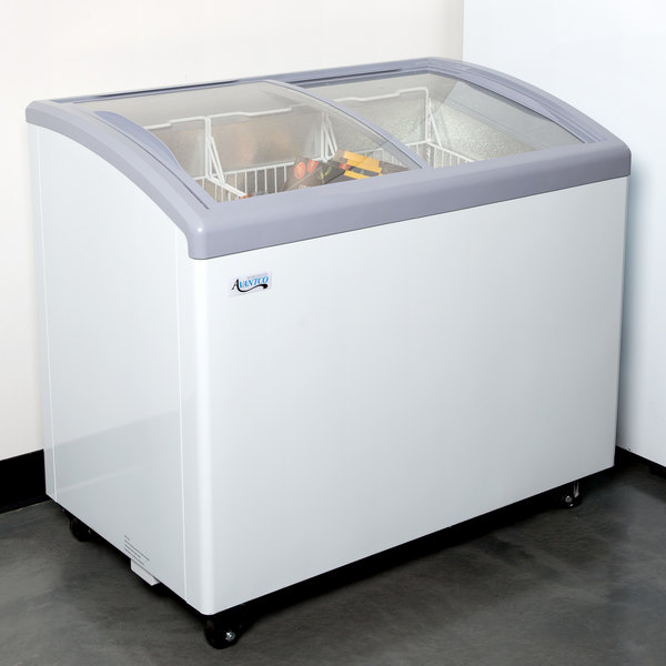Avantco Icfc9 Hc Curved Top Display Freezer