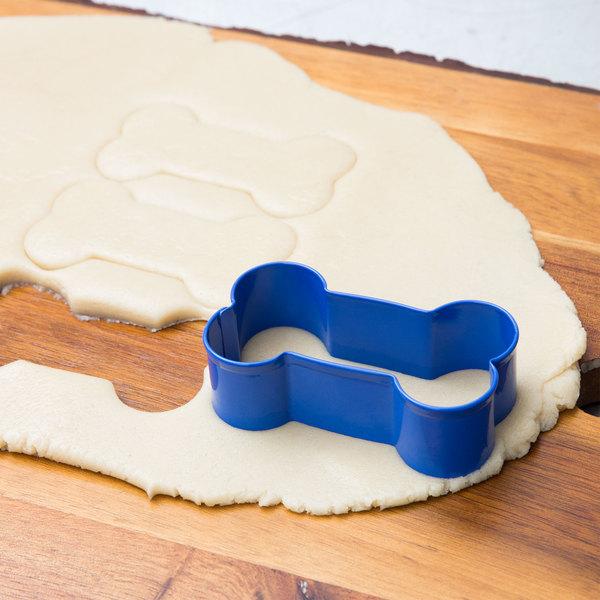 """Wilton 2308-1311 3"""" Metal Dog Bone Cookie Cutter Main Image 6"""