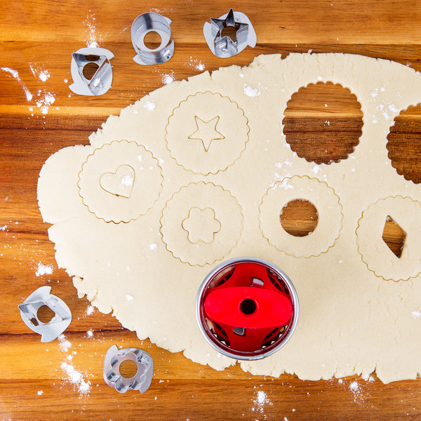 linzer cookie cutters how to use