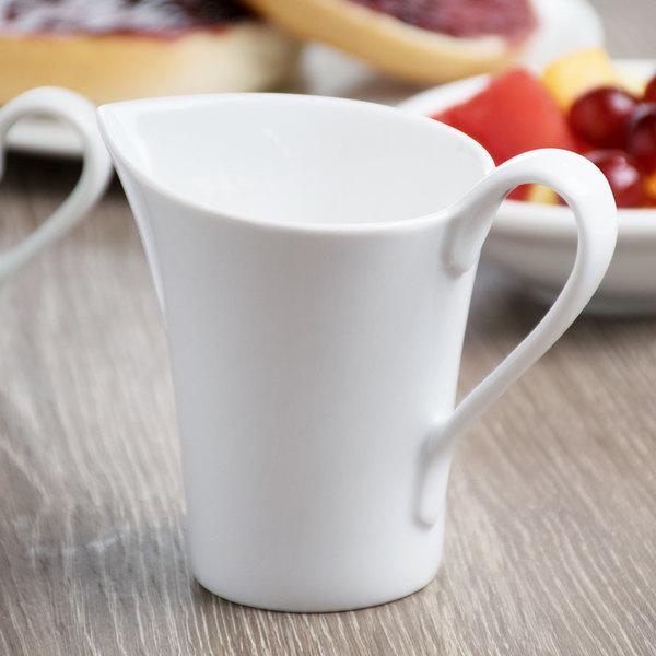 Schonwald 9135015 Fine Dining 5.5 oz. Continental White Porcelain Creamer - 6/Case