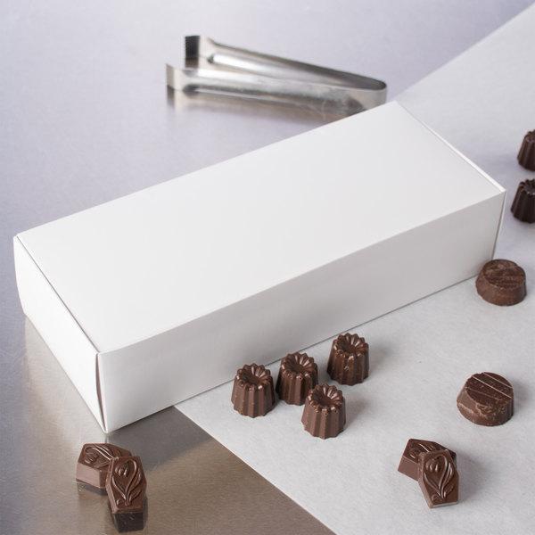 """10 5/8"""" x 4 1/4"""" x 2 1/2"""" White 3 lb. 1-Piece Candy Box - 250/Case"""