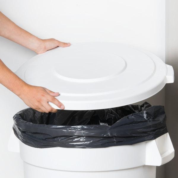Carlisle 34103302 Bronco 32 Gallon White Flat Trash Can Lid