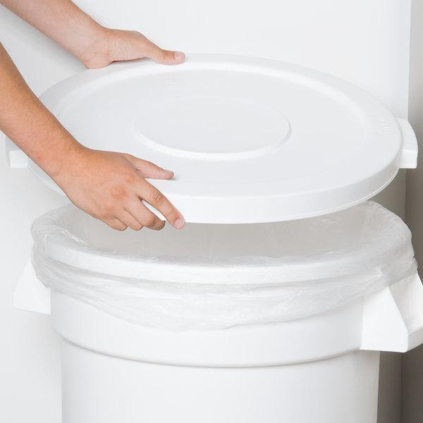 Carlisle 34102102 Bronco 20 Gallon White Flat Trash Can Lid