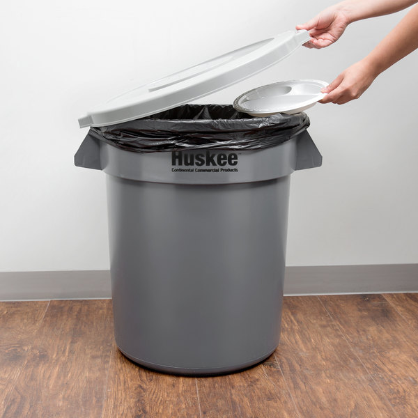 Continental Huskee 20 Gallon Gray Round Trash Can with Gray Lid Main Image 5