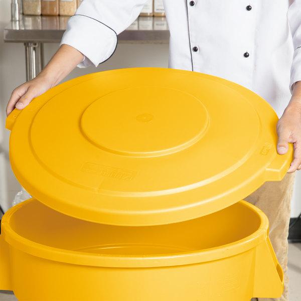 Carlisle 34103304 Bronco 32 Gallon Yellow Flat Trash Can Lid