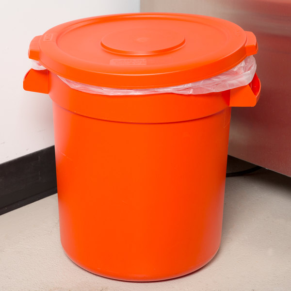 & Carlisle Bronco 10 Gallon Orange Trash Can with Lid