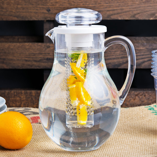 Tablecraft 319FIN 2 Qt. Polycarbonate Pitcher with Infusion Chamber Main Image 7