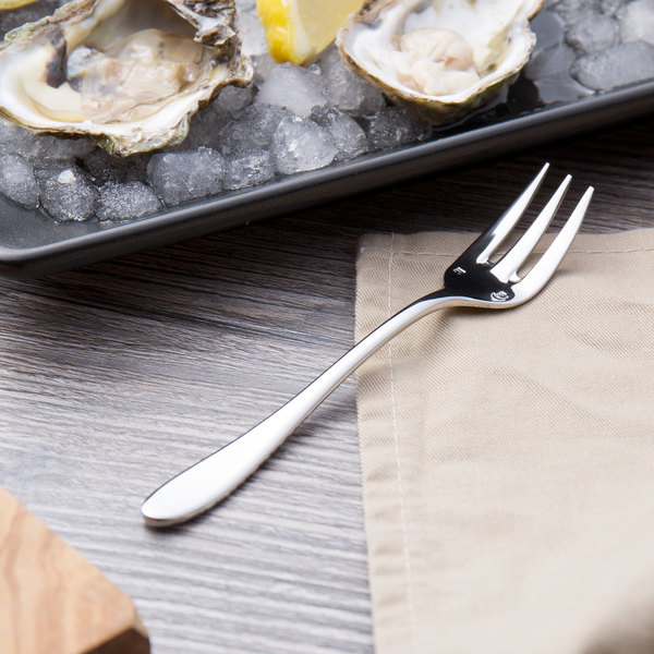 """Chef & Sommelier T0421 Lazzo 5 5/8"""" 18/10 Stainless Steel Extra Heavy Weight Oyster Fork by Arc Cardinal - 36/Case"""
