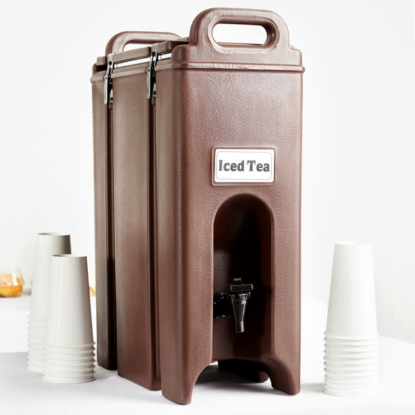 Cambro 500LCD131 Camtainers® 4.75 Gallon Dark Brown Insulated Beverage Dispenser Main Image 5