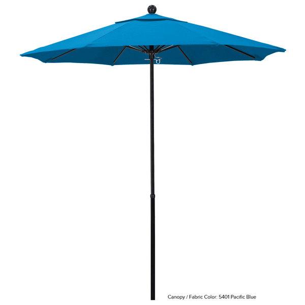 "California Umbrella EFFO 758 SUNBRELLA 1A Oceanside 7 1/2' Round Push Lift Umbrella with 1 1/2"" Fiberglass Pole - Sunbrella 1A Canopy"