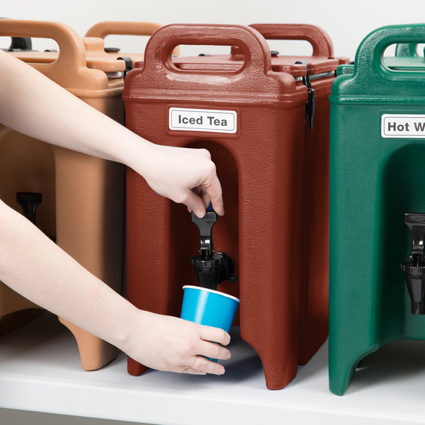 Cambro 250LCD402 Camtainers® 2.5 Gallon Brick Red Insulated Beverage Dispenser Main Image 5