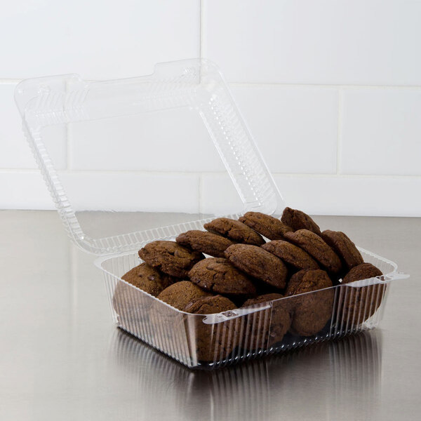 """Dart C50UTD StayLock 9 1/8"""" x 9 1/2"""" x 3 5/8"""" Clear Hinged Plastic 9"""" Square High Dome Container - 250/Case Main Image 3"""