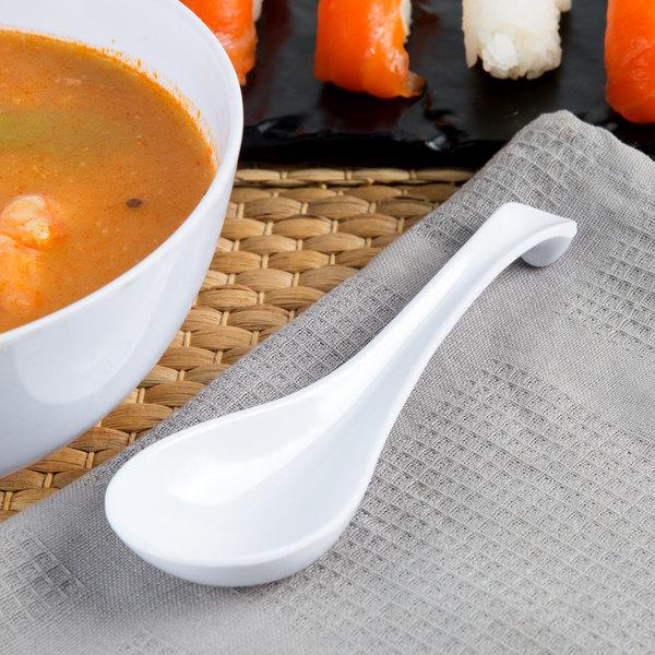 Thunder Group 7000W 1 oz. White Melamine Asian Soup Spoon / Appetizer Spoon - 12/Pack Main Image 2