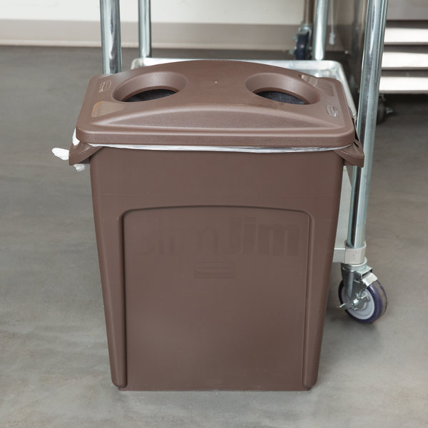 rubbermaid slim jim 16 gallon brown trash can with 2 hole lid. Black Bedroom Furniture Sets. Home Design Ideas