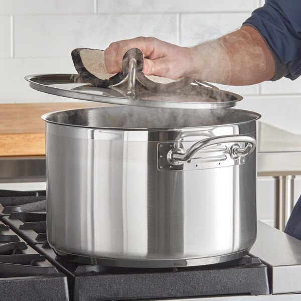 Vigor 16 Qt. Stainless Steel Aluminum-Clad Sauce Pot with Cover Main Image 2
