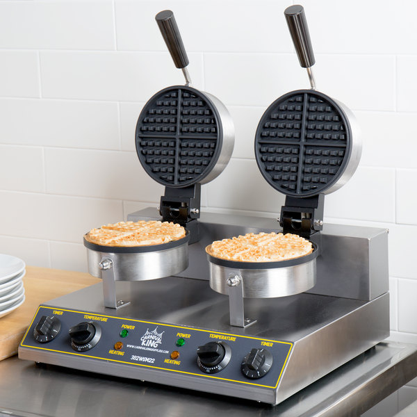 Carnival King WSM22 Non-Stick Double Waffle Maker with Timers - 120V Main Image 4