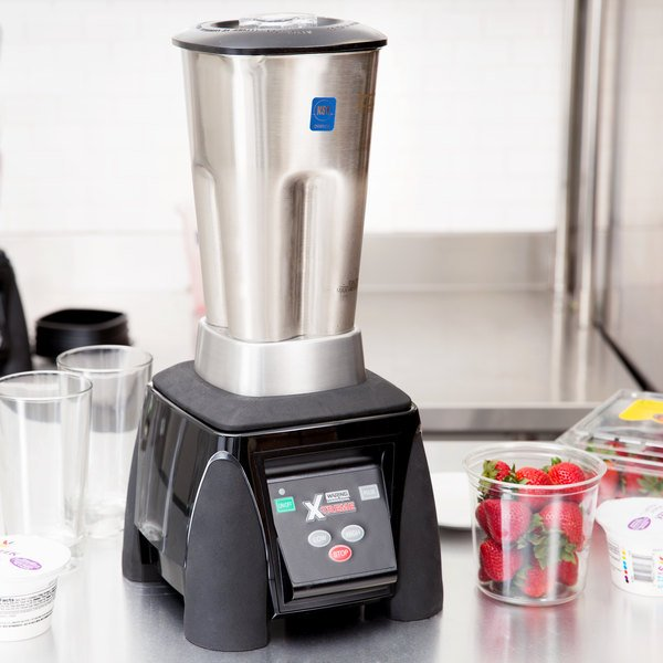 Waring MX1050XTS Xtreme 3 1/2 hp Commercial Blender with Electronic Keypad, and 64 oz. Stainless Steel Container Main Image 5