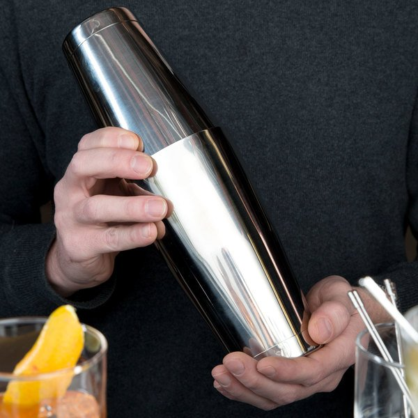 Mercer Culinary M37009 Barfly 28 oz. & 18 oz. 2-Piece Stainless Steel Shaker Tin Set