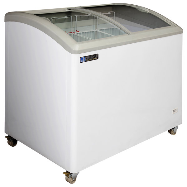 Master-Bilt MSC-41AN 41 inch Curved Top Display Freezer