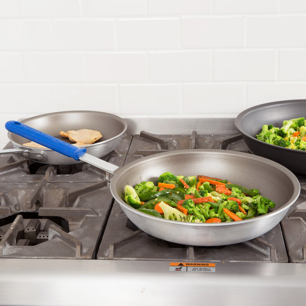"Vollrath ES4012 Wear-Ever 12"" Ever-Smooth PowerCoat2 Non-Stick Fry Pan with Cool Handle - Rivetless"