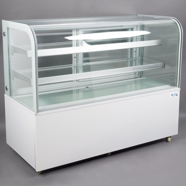 "Avantco BC-60-HC 60"" Curved Glass White Refrigerated Bakery Display Case Main Image 1"