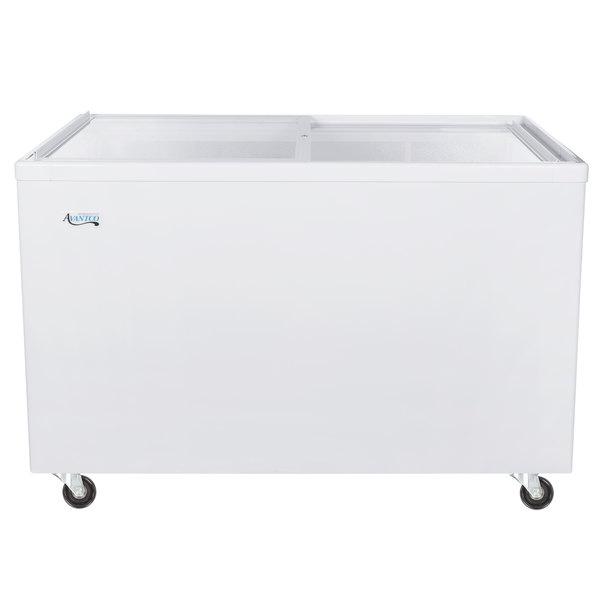 Avantco ICFF14 Flat Lid Display Freezer Scratch and Dent