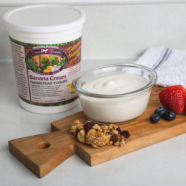 Farmer Rudolph's 32 oz. Banana Cream Farmstead Yogurt - 6/Case Main Image 4