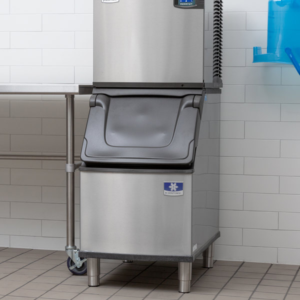Manitowoc D320 Ice Storage Bin - 264 lb. Main Image 5