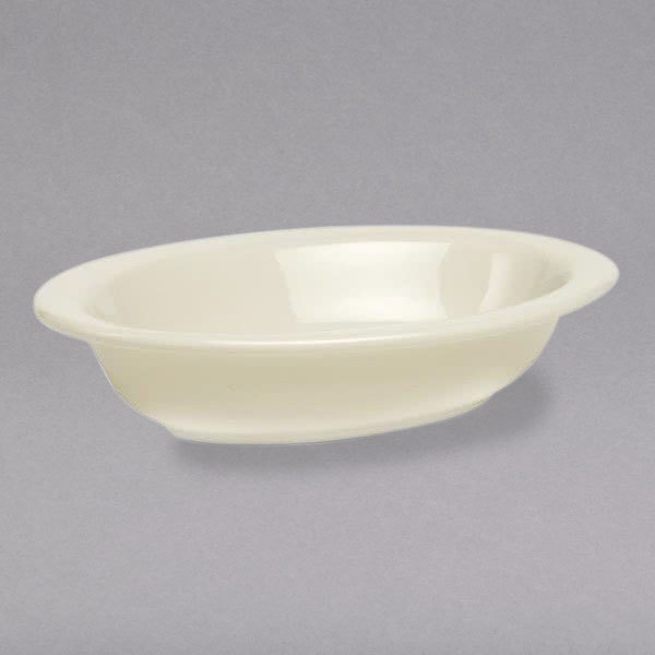 Tuxton BEB-3001 DuraTux 30 oz. Ivory (American White) Oval China Vegetable / Serving Bowl - 12/Case