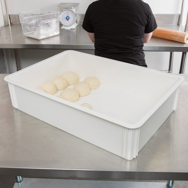 "Cambro DB18266CW148 Camwear 18"" x 26"" x 6"" White Polycarbonate Pizza Dough Proofing Box"