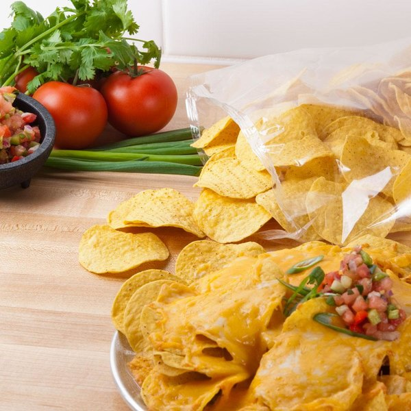 Mission 2 lb. Yellow Round Corn Tortilla Chips - 6/Case Main Image 2