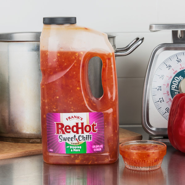 Frank's RedHot 0.5 Gallon Sweet Chili Sauce - 4/Case Main Image 3