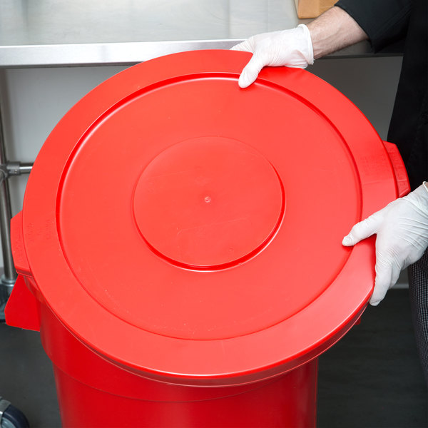 Continental 3201RD Huskee 32 Gallon Red Trash Can Lid