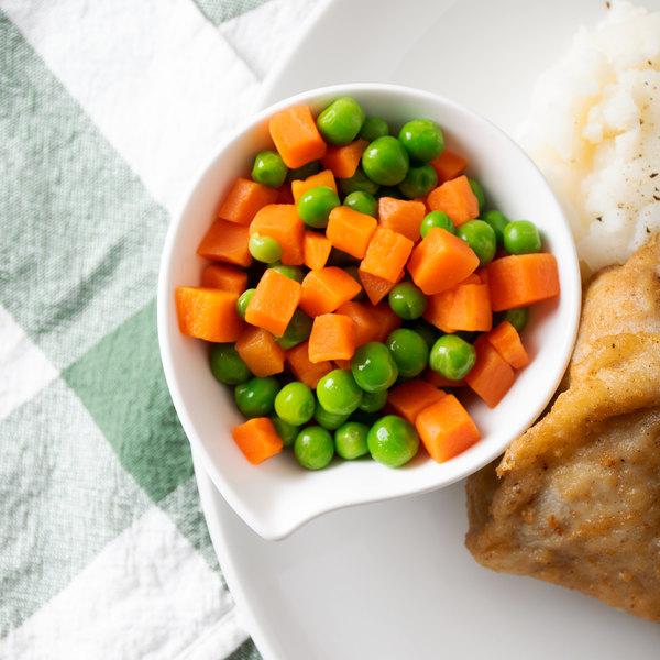 2.5 lb. Grade A Peas and Carrots - 12/Case Main Image 5