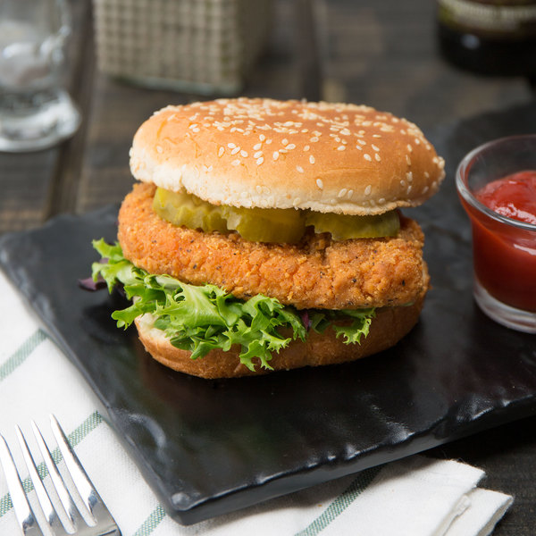 Brakebush Cayenne Kicker 5 lb. Bag 4 oz. Fully Cooked Hot and Spicy Breaded Chicken Breast Fillet - 2/Case