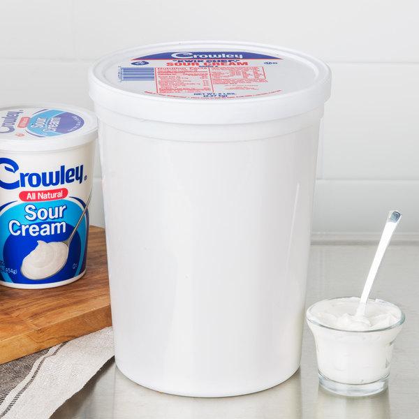 Crowley 5 lb. Sour Cream Tub - 4/Case