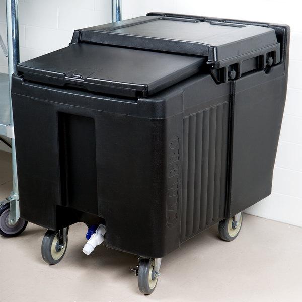 Cambro ICS125L110 SlidingLid™ Black Portable Ice Bin - 125 lb. Capacity