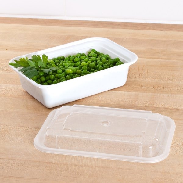 "Newspring NC-838 24 oz. White 5"" x 7 1/4"" x 2"" VERSAtainer Rectangular Microwavable Container with Lid - 150/Case"