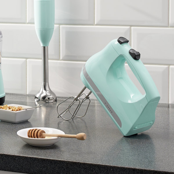 KitchenAid KHM512IC Ultra Power Ice 5 Speed Hand Mixer with Stainless Steel Turbo Beaters - 120V